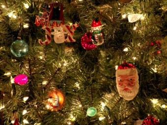 Addobba l'albero di Natale